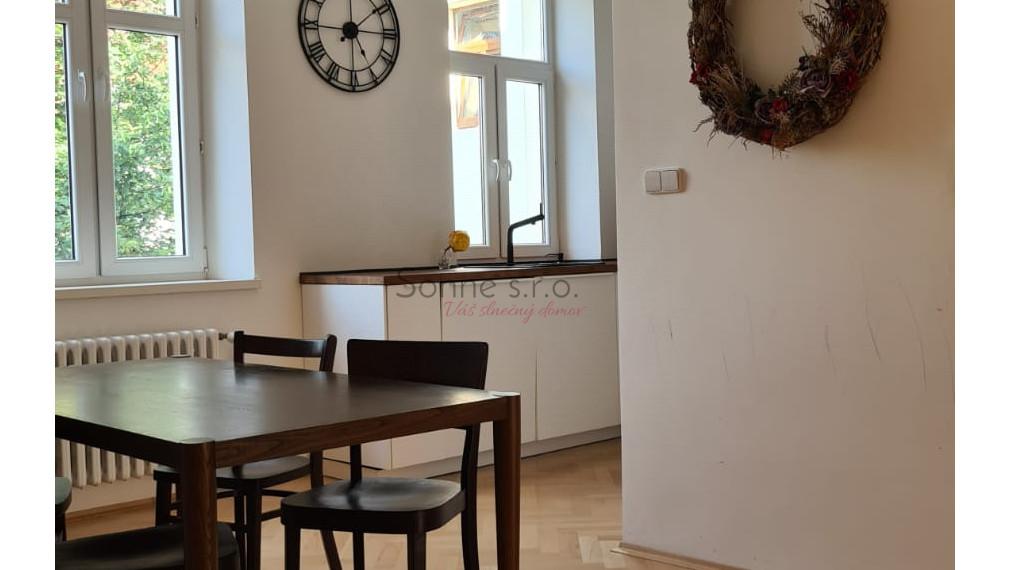 Prenájom priestranného a slnečného 4 izbového bytu - Košice, Zimná